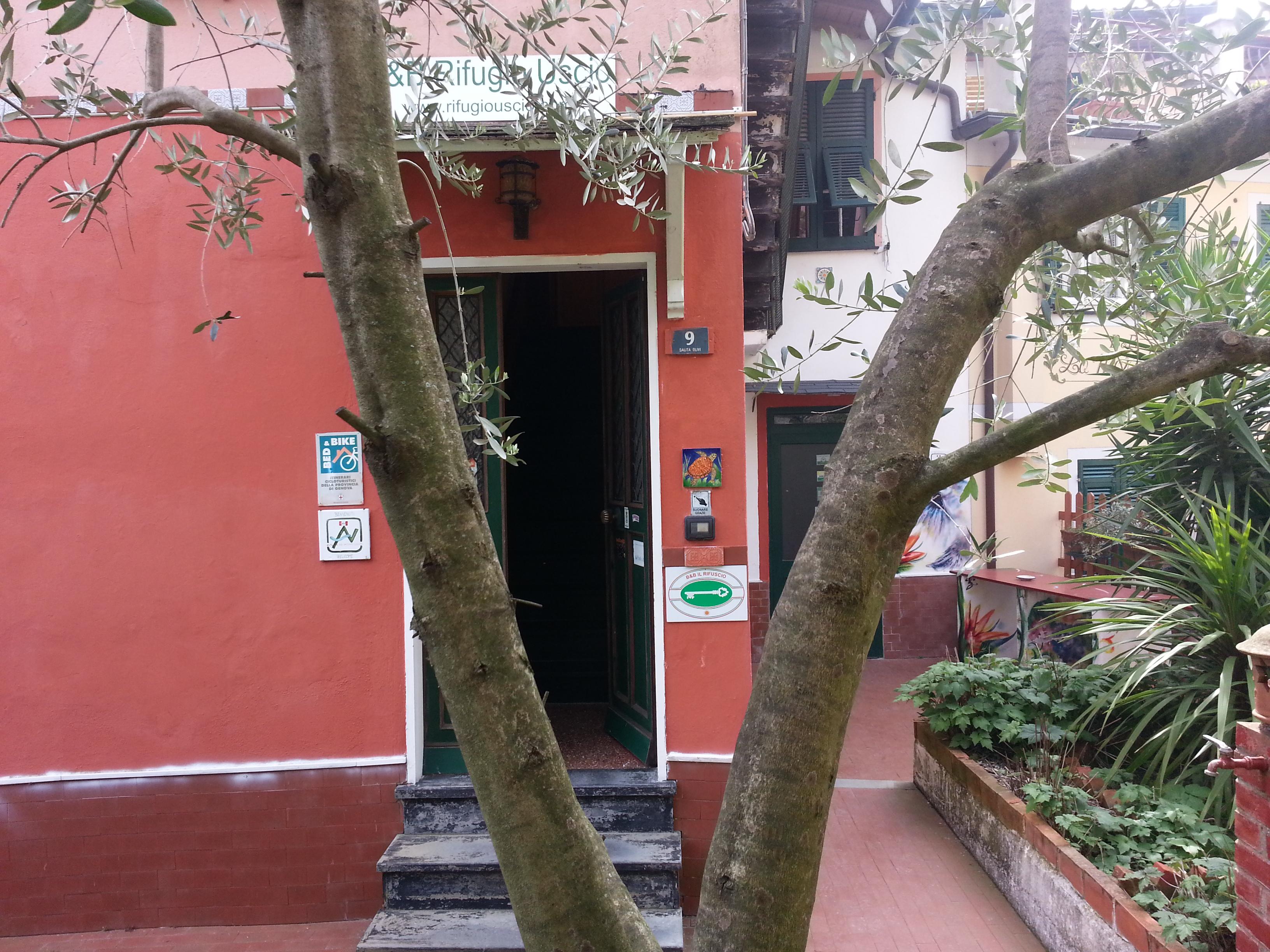 Chambre d' hotes rifugio uscio riviera italienne avec jardin 9 km ...